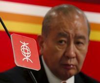 HK tycoon David Li resists activist investor Elliott's attack on BEA