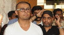 Sonu Nigam goes bald: Complaint filed against singer, Quaderi says there was no fatwa!