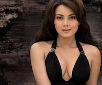 Charming Minissha Lamba clears air on nose job