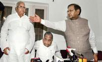 After Samajwadi Party quits Janata alliance, Sharad Yadav rushes to meet Mulayum