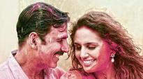 Watch: Akshay and Huma run wild and 'Go Pagal' in Jolly LLB 2's Holi song