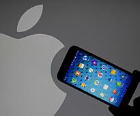 Court orders Samsung to stop selling older phones that infringe Apple patents (AAPL)