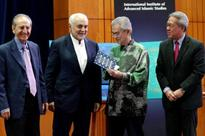 Pak Lah launches Imam Feisal Abdul Rauf's latest book
