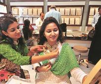 Small jewellers feel the heat as large players gain market share