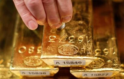 Gold sinks below Rs 29k, crashes by Rs 400 to 2-month low