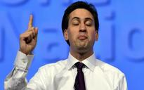 Ed Miliband to star in sell-out theatre show, despite previously demanding a ban on second jobs
