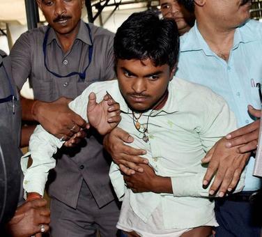 Nitish Kumar arrested for hurling slipper at Bihar CM