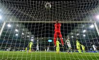 WATCH: Why the goalkeeper must stay at the poles