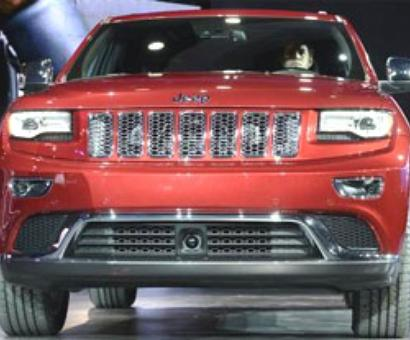 Chrysler recalls 469,000 SUVs worldwide