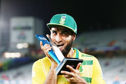 Tahir weaves spell around Kiwi batsmen to record T20 win