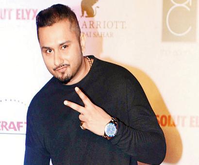 Yo Yo Honey Singh bags a prestigious PTC Punjabi Film Award 2016 for Zorawar.