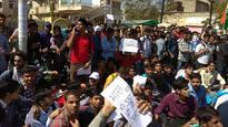 Jaipur: Several injured as police lathi charge SSC exam agitators
