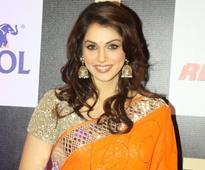 Bollywood actress Isha Koppikar to make her TV debut with show based on 'Bajirao Mastani'?