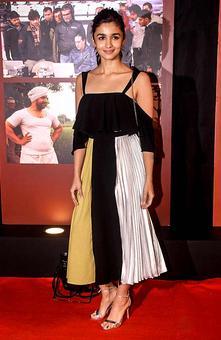 PIX: Alia, Sunny Leone party with Aamir
