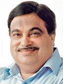 Nitin Gadkari promises steps to widen busy Pune-Nashik highway