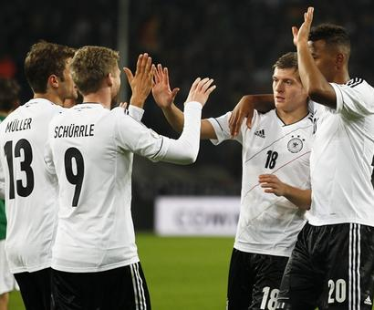 World champs Germany go for youth in preliminary Euro 2016 squad