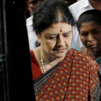 Ex-IAS officer begins probe into Sasikala 'jail bribery' case