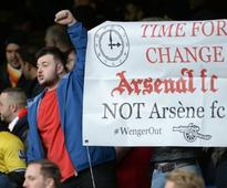 Former Arsenal midfielder advises Wenger on transfer policy to win title