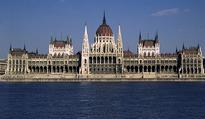 Hungary parliament evacuated in unexploded WW II bomb find