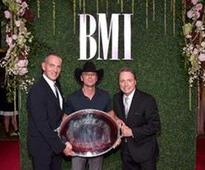 Kenny Chesney Receives BMI President's Award at 2016 BMI Country Awards