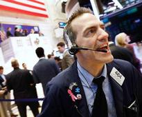 Wall St bounces back 1%; yields on 10-year US notes end week little changed