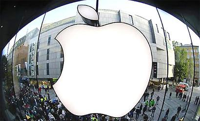 Apple rises past $800 in market valuation