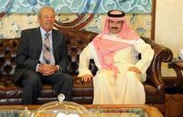 KUNA chief hosts Lebanese journalist