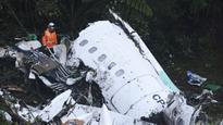 Pele, Messi lead soccer tributes to Brazil plane crash victims