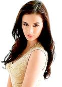 Evelyn Sharma meets casting agents and filmmakers in US