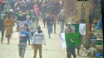 J&K: Stones pelted, Pakistani flags raised near Jamia Masjid after prayers despite army chief's warning