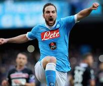 Napoli striker Gonzalo Higuain 'prefers' Liverpool switch to other options