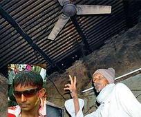 Denied Rs 10 for paan masala, boys hangs self