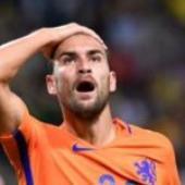 Dutch captain out of France qualifier