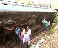 Rail traffic hit on Mumbai's Western Line as coach derails