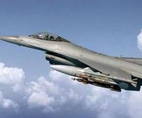 US lawmaker blocks sale of subsidised F-16s to Pakistan