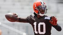 Robert Griffin III wins starting QB job with Browns