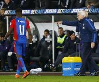 Under-fire Pardew admits Palace are in crisis
