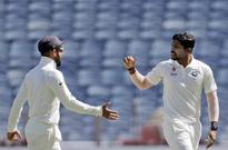 Live: Umesh, spinners hurt Aussies post lunch in Pune Test