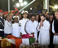 After Jayalalithaa: Rahul Gandhi infuriates 'ally' DMK by cosying up to AIADMK