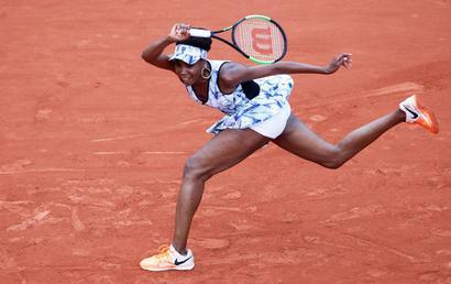 Venus makes swift work of Mertens to roll back the years again