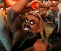 Durga Puja 2016: Beautiful photos of Kolkata, Allahabad and Agartala preparing for the festival