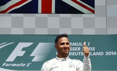 F1: Hamilton powers to victory in German Grand Prix