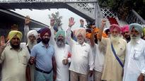 Over 2,300 Indian Sikh pilgrims leave from Pakistan via special trains to return to homeland