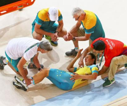 Cycling: Australians crash in training for team pursuit