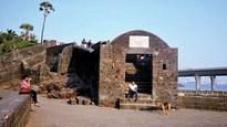 Bandra Fort soon to be rid of encroachers