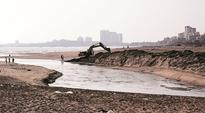 Plans to spruce up Andheri, Juhu seafront to reduce crowds at Marine Drive, Bandstand
