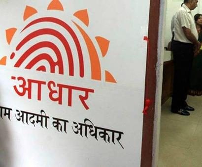 SC pulls up banks, telcos for creating panic on Aadhaar linking