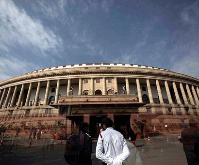 4 days on and Lok Sabha fails to carry out any business