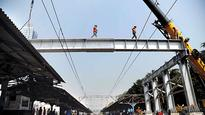 Central Railway utilises mega block to remove 'diamond crossing'