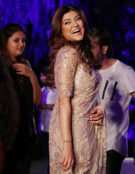 Pics: Sush, Dia, Shilpa attend Manish's show at LFW